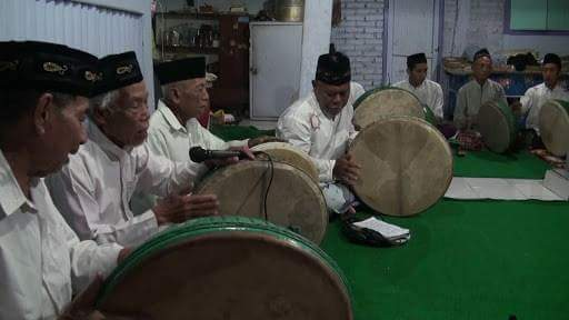 Burdah, traditional  music group closely related to Malay Language and Islam